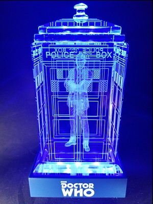 TARDIS with Christopher Eccleston Crystal Carvings with LED Display